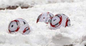 fussball-im schnee